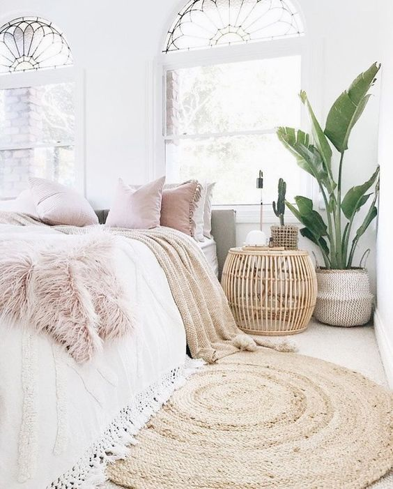 9+ Comfy bedroom ideas for girls to copy. Get the comfy apartment look. Cozy whi…