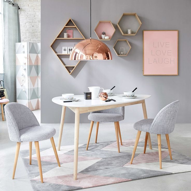 Tufted Rug with Grey and Pink Graphic Motifs 140×200 | Maisons du Monde