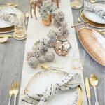 20 Wonderful Christmas Dinner Table Settings For Merry Holidays   Homesthetics - Inspiring ideas for your home.