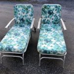 2 Vintage Aluminum Folding CHAISE LOUNGE PAIR lawn chair pool mid century modern outdoor seating metal teal blue pads lawnlite
