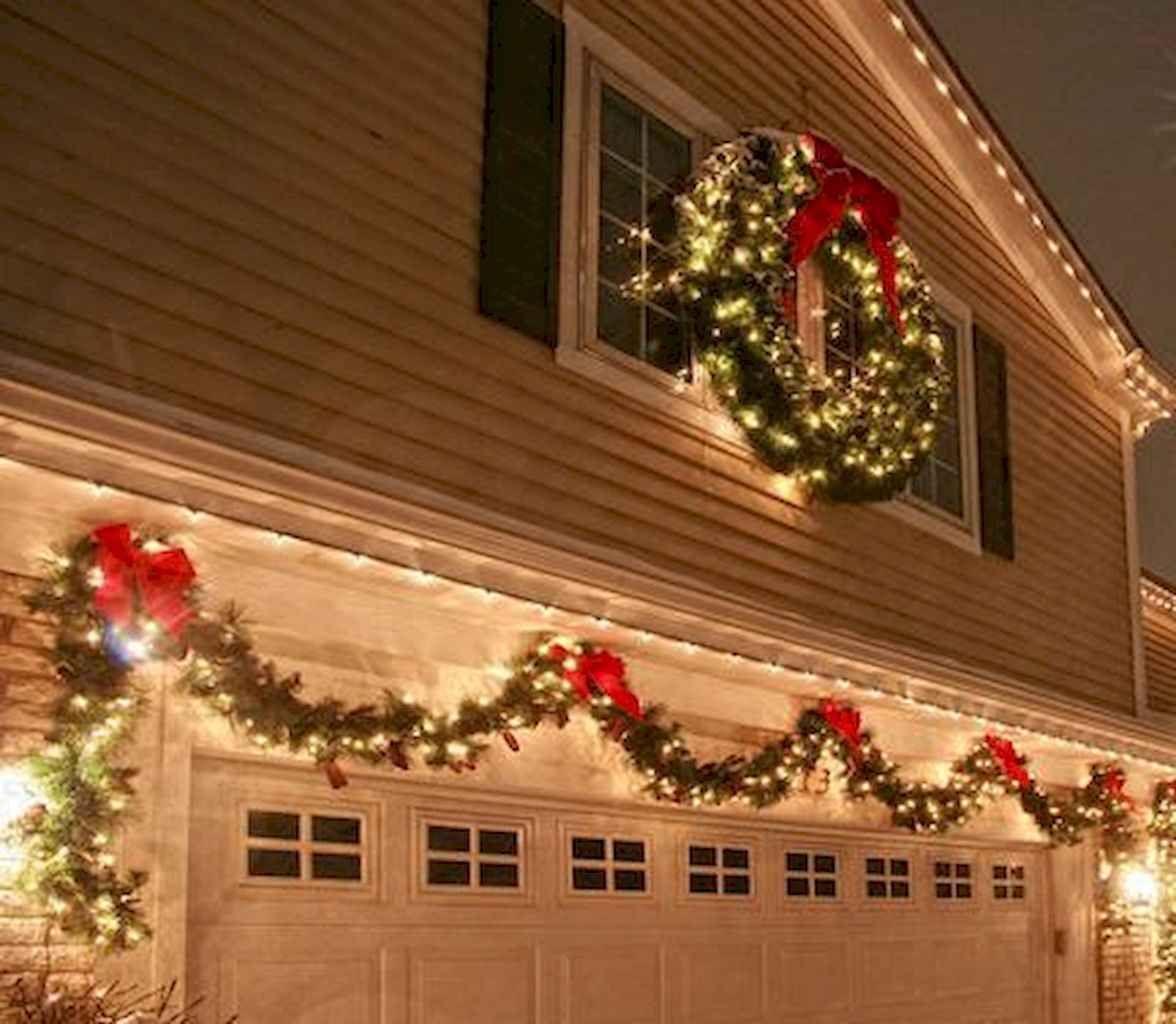 35 Beautiful Christmas Decorations Outdoor Lights Ideas (16) – LivingMarch.com