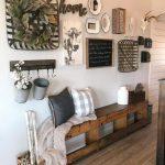 47 Brilliant Farmhouse Living Room Wall Decor Ideas - HOMYFEED