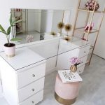 51 CLEVER WAYS TO USE SMALL SPACE FOR DRESSING TABLE - Page 25 of 51 - Breyi