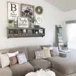 75 Best Farmhouse Wall Decor Ideas for Living Room (1) - Ideaboz