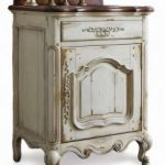 Antique White Bath Vanities and the Cottage Style Bathroom