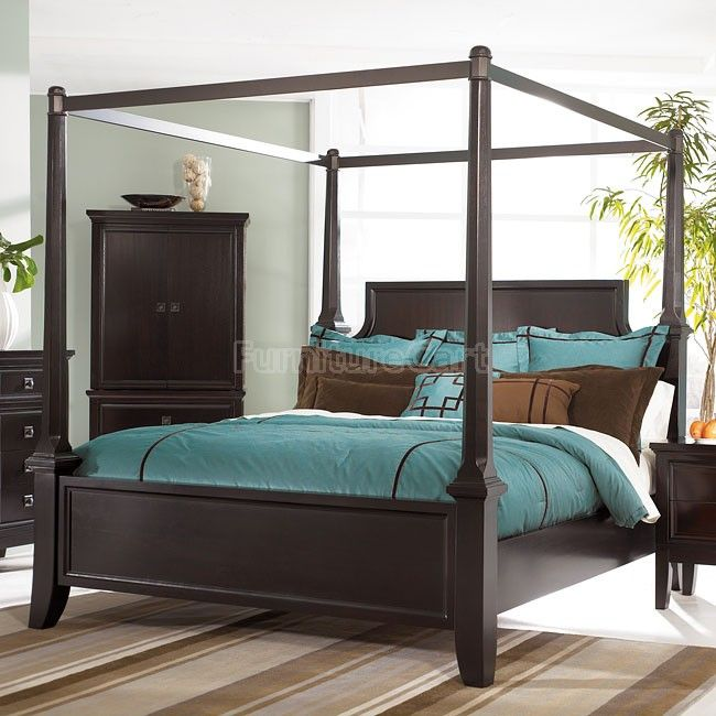 Martini Suite Canopy Bed